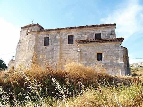 Vista lateral de la iglesia de San Martín Obispo.