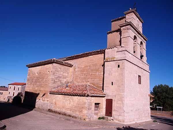 La iglesia de Santa Cristina, edificada en el siglo XVII, es de estilo barroco.