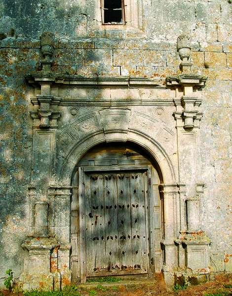 Portada de la iglesia de Santa Centola.