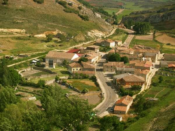 Vista aérea de Peñahorada, que conserva un interesante patrrimonio etnográfico.